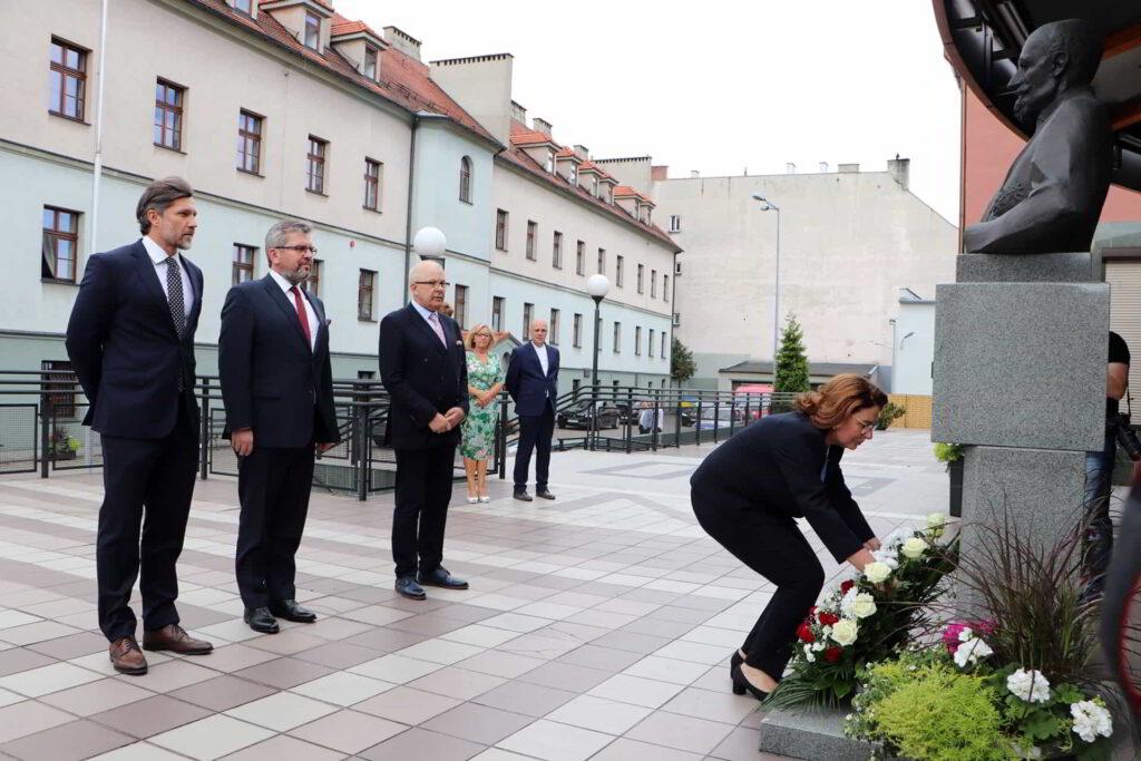 Prawnuczka patrona Akademii Kaliskiej odwiedziła uczelnię-1