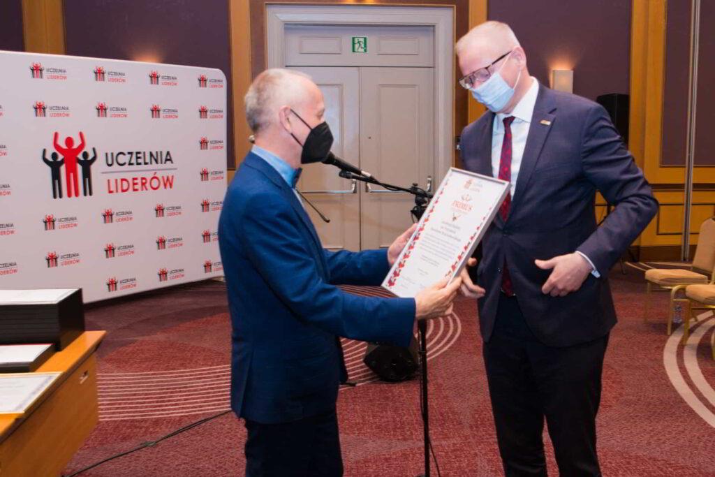 Akademia Kaliska Uczelnią Liderów 2021-12