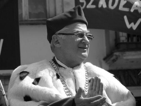 Rektor profesor dr hab. Czesław Glinkowski czarno-białe zdjęcie