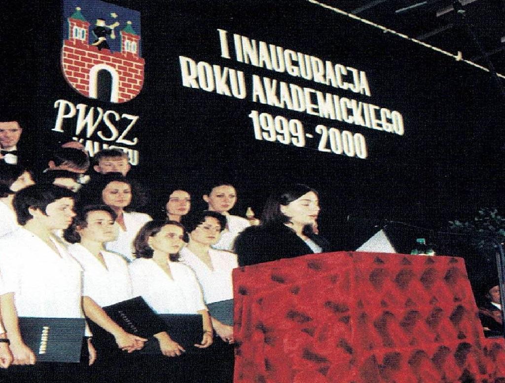 zdjęcie pierwszej inauguracji roku akademickiego w roku 1999