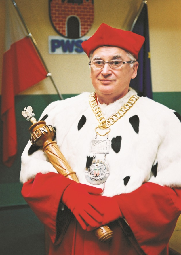 Pierwszy rektor uczelni prof. dr. hab. Czesław Glinkowski