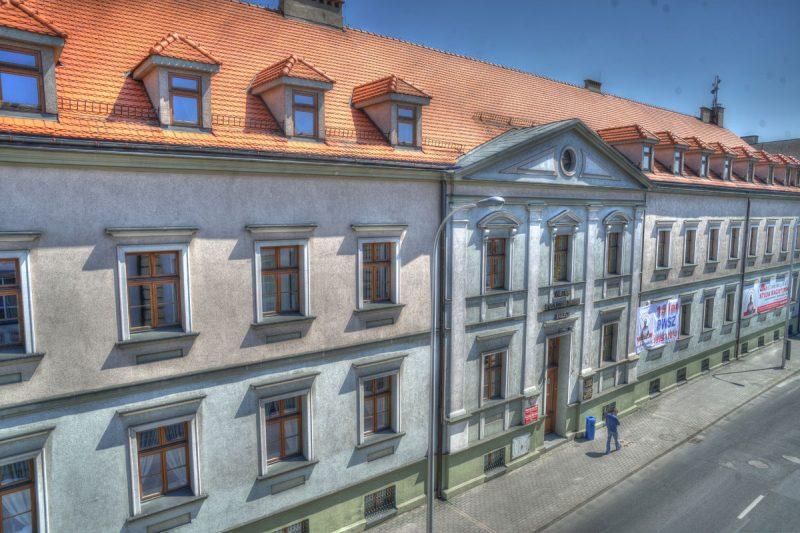 grafika budynku rektoratu przy ulicy nowy świat