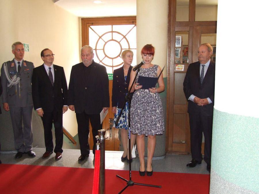 upamiętnienie Carla Gustafa Mannerheima w budynku rektoratu przy ulicy nowy świat