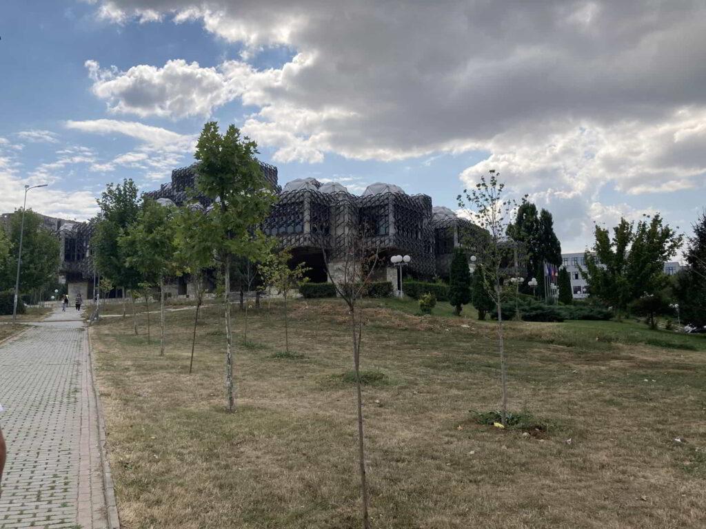 Pracownicy Akademii Kaliskiej w Colegji Universum w Prisztinie-4